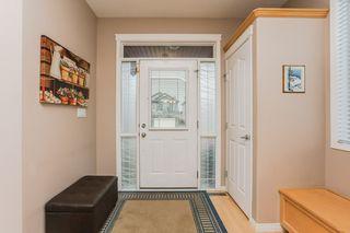 Photo 2: 360 CALDERON Crescent in Edmonton: Zone 27 House for sale : MLS®# E4165420