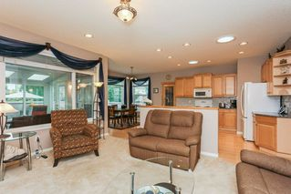 Photo 7: 360 CALDERON Crescent in Edmonton: Zone 27 House for sale : MLS®# E4165420