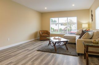 """Photo 7: 68 15875 20 Avenue in Surrey: King George Corridor Manufactured Home for sale in """"Searidge Bays"""" (South Surrey White Rock)  : MLS®# R2412916"""