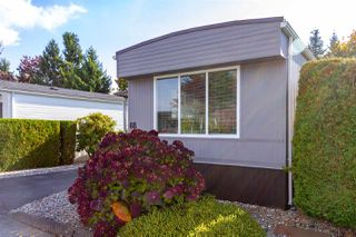 """Photo 6: 68 15875 20 Avenue in Surrey: King George Corridor Manufactured Home for sale in """"Searidge Bays"""" (South Surrey White Rock)  : MLS®# R2412916"""