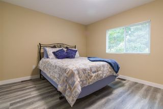 """Photo 5: 68 15875 20 Avenue in Surrey: King George Corridor Manufactured Home for sale in """"Searidge Bays"""" (South Surrey White Rock)  : MLS®# R2412916"""