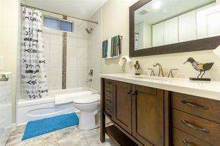 """Photo 4: 68 15875 20 Avenue in Surrey: King George Corridor Manufactured Home for sale in """"Searidge Bays"""" (South Surrey White Rock)  : MLS®# R2412916"""