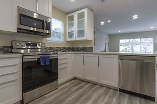 """Photo 8: 68 15875 20 Avenue in Surrey: King George Corridor Manufactured Home for sale in """"Searidge Bays"""" (South Surrey White Rock)  : MLS®# R2412916"""