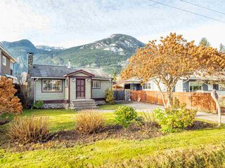 Photo 12: 38867 BRITANNIA Avenue in Squamish: Dentville House for sale : MLS®# R2428860