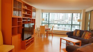 "Photo 3: 1001 283 DAVIE Street in Vancouver: Yaletown Condo for sale in ""PACIFIC PLAZA 1"" (Vancouver West)  : MLS®# R2432855"