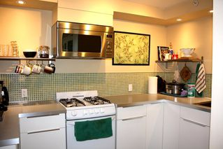 Photo 8: 771 E 16TH Avenue in Vancouver: Mount Pleasant VE House for sale (Vancouver East)  : MLS®# R2446099