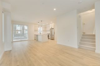 "Photo 11: 104 3021 ST GEORGE Street in Port Moody: Port Moody Centre Townhouse for sale in ""GEORGE"" : MLS®# R2474134"