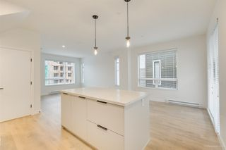 "Photo 5: 104 3021 ST GEORGE Street in Port Moody: Port Moody Centre Townhouse for sale in ""GEORGE"" : MLS®# R2474134"