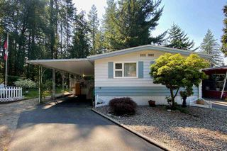 """Photo 33: 19 2306 198 Street in Langley: Brookswood Langley Manufactured Home for sale in """"CEDAR LANE SENIORS PARK"""" : MLS®# R2497884"""