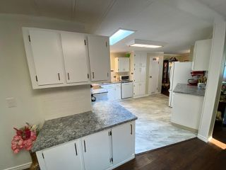 """Photo 12: 19 2306 198 Street in Langley: Brookswood Langley Manufactured Home for sale in """"CEDAR LANE SENIORS PARK"""" : MLS®# R2497884"""