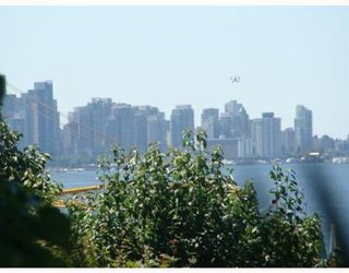 Photo 7: 2527 WALL ST in Vancouver: Home for sale (Hastings East)  : MLS®# V800415