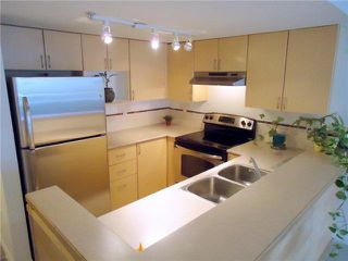 """Photo 3: 207 1707 CHARLES Street in Vancouver: Grandview VE Condo for sale in """"CITY LIGHTS"""" (Vancouver East)  : MLS®# V939487"""
