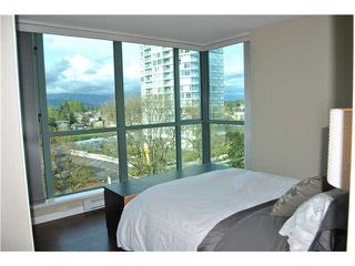 Photo 6: 801 6611 SOUTHOAKS Crescent in Burnaby: Highgate Condo for sale (Burnaby South)  : MLS®# V947277