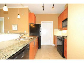 "Photo 4: 308 2655 CRANBERRY Drive in Vancouver: Kitsilano Condo for sale in ""NEW YORKER"" (Vancouver West)  : MLS®# V1017086"