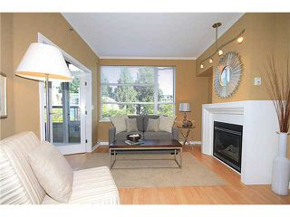 "Photo 2: 308 2655 CRANBERRY Drive in Vancouver: Kitsilano Condo for sale in ""NEW YORKER"" (Vancouver West)  : MLS®# V1017086"