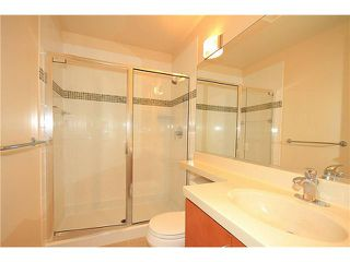 "Photo 8: 308 2655 CRANBERRY Drive in Vancouver: Kitsilano Condo for sale in ""NEW YORKER"" (Vancouver West)  : MLS®# V1017086"