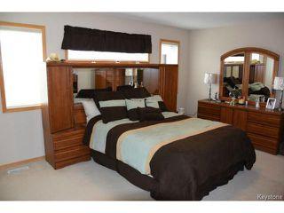 Photo 9: 2 Tilstone Bay in WINNIPEG: St Vital Residential for sale (South East Winnipeg)  : MLS®# 1416435