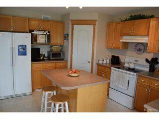 Photo 6: 2 Tilstone Bay in WINNIPEG: St Vital Residential for sale (South East Winnipeg)  : MLS®# 1416435