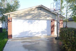Photo 12: 145 Augusta Drive West in Winnipeg: Waverley Heights Single Family Detached for sale (South Winnipeg)  : MLS®# 1507687