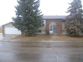 Photo 1: 16508 118 Street: Edmonton Attached Home for rent