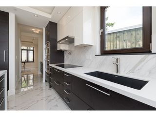 Photo 4: 14622 W BEACH AVENUE: White Rock House for sale (South Surrey White Rock)  : MLS®# R2343991