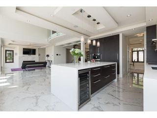 Photo 3: 14622 W BEACH AVENUE: White Rock House for sale (South Surrey White Rock)  : MLS®# R2343991