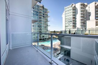 "Photo 4: 701 2220 KINGSWAY in Vancouver: Victoria VE Condo for sale in ""KENSINGTON GARDEN"" (Vancouver East)  : MLS®# R2388023"