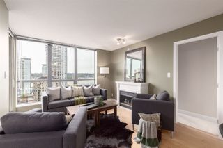 """Photo 1: 1601 850 ROYAL Avenue in New Westminster: Downtown NW Condo for sale in """"The Royalton"""" : MLS®# R2407990"""