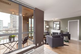 """Photo 6: 1601 850 ROYAL Avenue in New Westminster: Downtown NW Condo for sale in """"The Royalton"""" : MLS®# R2407990"""