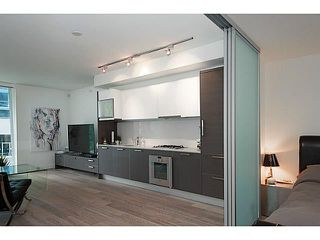 Photo 4: 407 1477 PENDER Street W in Vancouver West: Coal Harbour Home for sale ()  : MLS®# V1130945