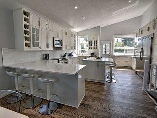 Photo 3: 5147 189 Street in Edmonton: Zone 20 House for sale : MLS®# E4192391