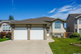 Photo 1: 730 Greaves Crescent in Saskatoon: Willowgrove Residential for sale : MLS®# SK817554