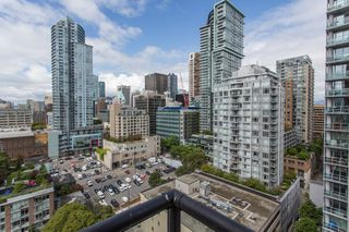 """Photo 2: 1703 889 HOMER Street in Vancouver: Downtown VW Condo for sale in """"889 HOMER"""" (Vancouver West)  : MLS®# R2484850"""