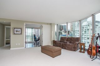 """Photo 3: 1703 889 HOMER Street in Vancouver: Downtown VW Condo for sale in """"889 HOMER"""" (Vancouver West)  : MLS®# R2484850"""