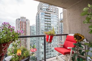 """Photo 17: 1703 889 HOMER Street in Vancouver: Downtown VW Condo for sale in """"889 HOMER"""" (Vancouver West)  : MLS®# R2484850"""