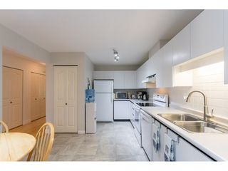"""Photo 7: 18 16016 82 Avenue in Surrey: Fleetwood Tynehead Townhouse for sale in """"Maple Court"""" : MLS®# R2497263"""