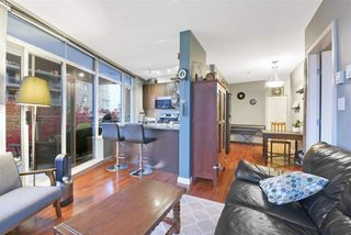 """Photo 5: 1006 892 CARNARVON Street in New Westminster: Downtown NW Condo for sale in """"AZURE 2 - PLAZA 88"""" : MLS®# R2515738"""