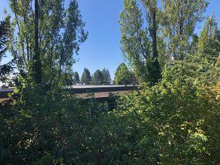"Photo 6: 310 15020 NORTH BLUFF Road: White Rock Condo for sale in ""North Bluff Village"" (South Surrey White Rock)  : MLS®# R2528693"
