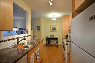 "Photo 5: 310 2330 MAPLE Street in Vancouver: Kitsilano Condo for sale in ""MAPLE GARDENS"" (Vancouver West)  : MLS®# V931488"