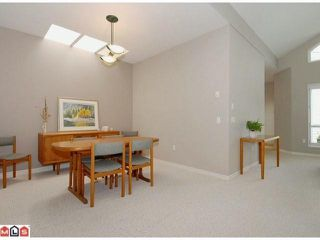 "Photo 4: 15511 THRIFT Avenue: White Rock 1/2 Duplex for sale in ""WHITE ROCK"" (South Surrey White Rock)  : MLS®# F1213901"