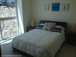Photo 10: Ocean Waves Tower 2 - 2 bedroom