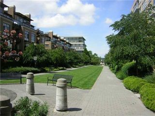 "Photo 2: 812 2799 YEW Street in Vancouver: Kitsilano Condo for sale in ""TAPESTRY"" (Vancouver West)  : MLS®# V996457"