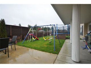 Photo 2: 5687 LOUISE Way in Sechelt: Sechelt District House for sale (Sunshine Coast)  : MLS®# V997996