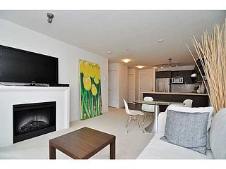 """Photo 4: 201 738 E 29TH Avenue in Vancouver: Fraser VE Condo for sale in """"CENTURY"""" (Vancouver East)  : MLS®# V1024242"""