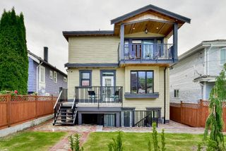 Photo 2: 3467 WELLINGTON AVENUE in Vancouver: Collingwood VE House for sale (Vancouver East)  : MLS®# R2084726