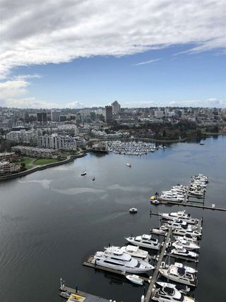 Photo 16: 3803 1033 MARINASIDE CRESCENT in Vancouver: Yaletown Condo for sale (Vancouver West)  : MLS®# R2257056