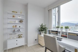 Photo 11: 3803 1033 MARINASIDE CRESCENT in Vancouver: Yaletown Condo for sale (Vancouver West)  : MLS®# R2257056