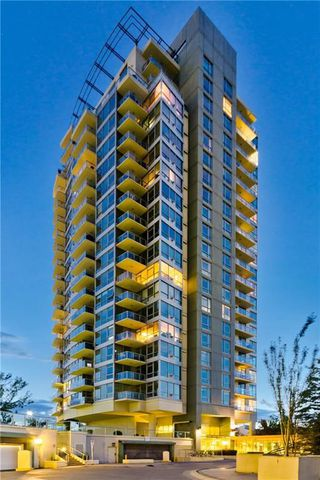 Photo 2: #303 55 SPRUCE PL SW in Calgary: Spruce Cliff Condo for sale : MLS®# C4193543