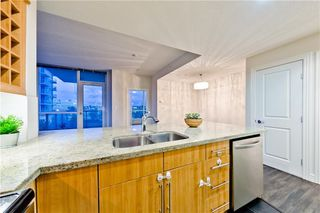 Photo 5: #303 55 SPRUCE PL SW in Calgary: Spruce Cliff Condo for sale : MLS®# C4193543