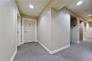 Photo 3: #303 55 SPRUCE PL SW in Calgary: Spruce Cliff Condo for sale : MLS®# C4193543